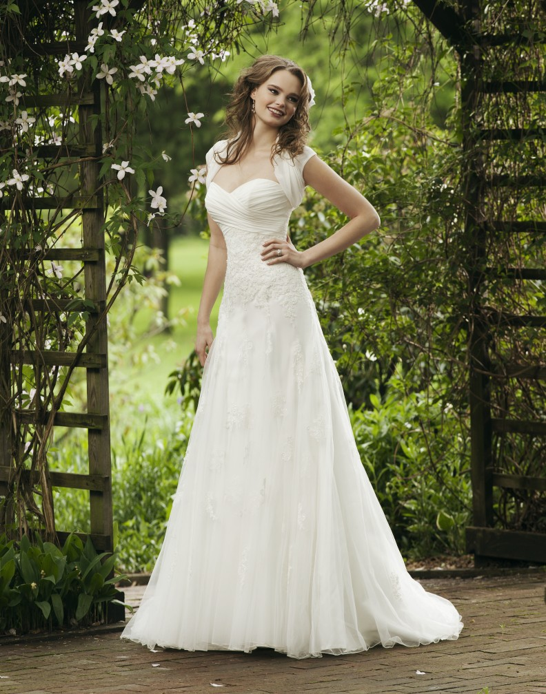 A Line Dresses For A Wedding : To matching gorgeous bridal dresses a line type wedding dress are one