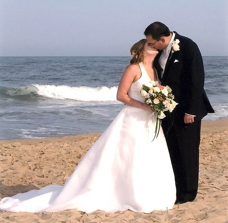 Small Beach Weddings In Southern California Can Be Perfect Ceremonies