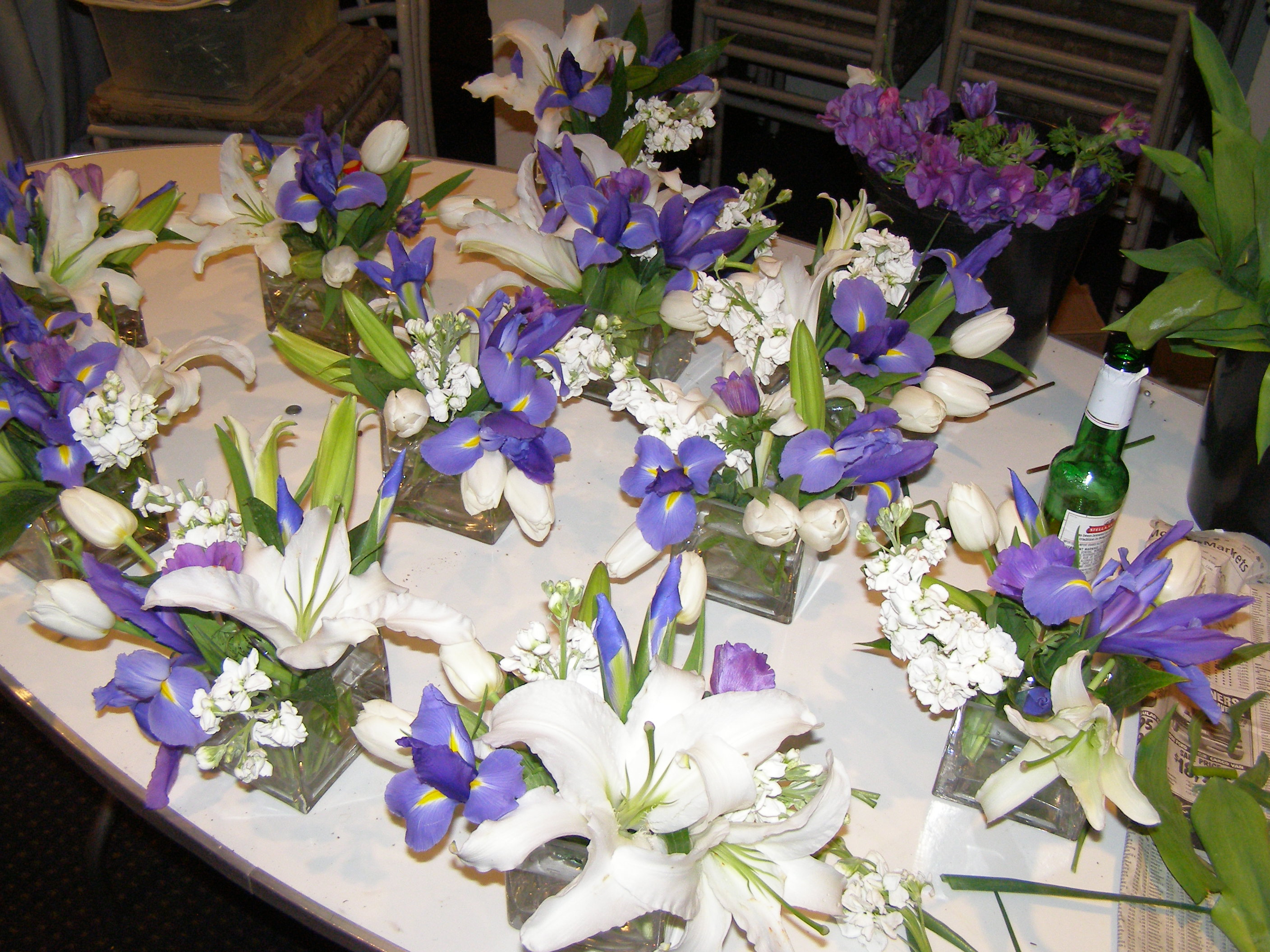 Flowers for Flawless Illinois Wedding Party - share a happy day.