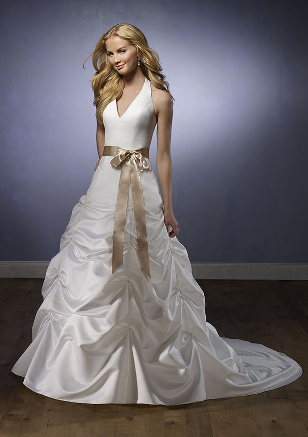 Michigan weddings are perfect for halter wedding dresses for Wedding dresses in michigan