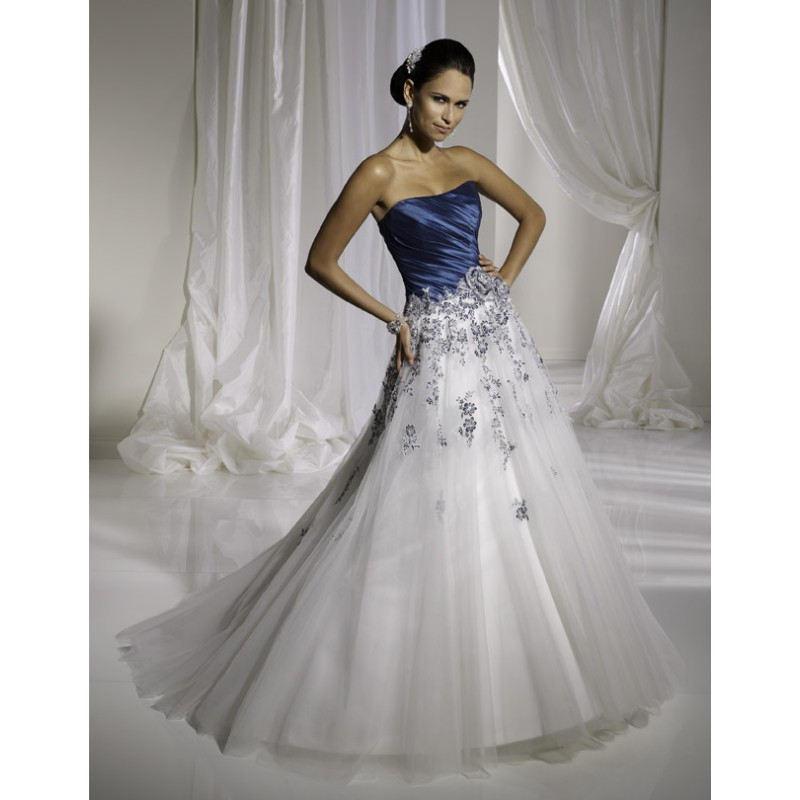 Attractive blue wedding dresses for florida weddings for Wedding dresses south florida