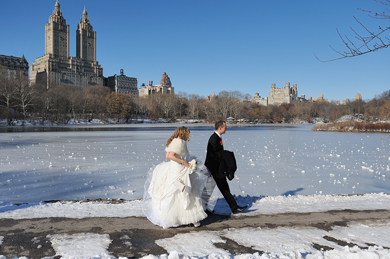 Weddings in new york central park are wonderful outdoor for Outdoor wedding new york